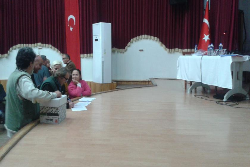 Foça mahalle meclisi seçimi yaptı