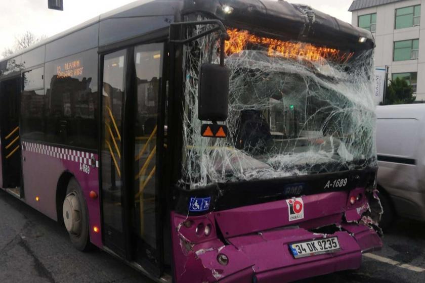 İETT otobüsünün kaza sonrası görüntüsü