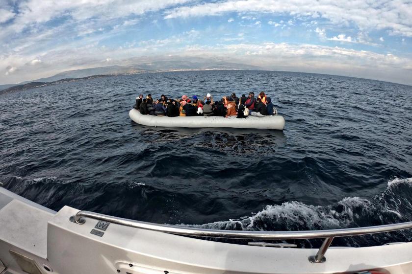 Çeşme açıklarında 199 mülteci engellendi