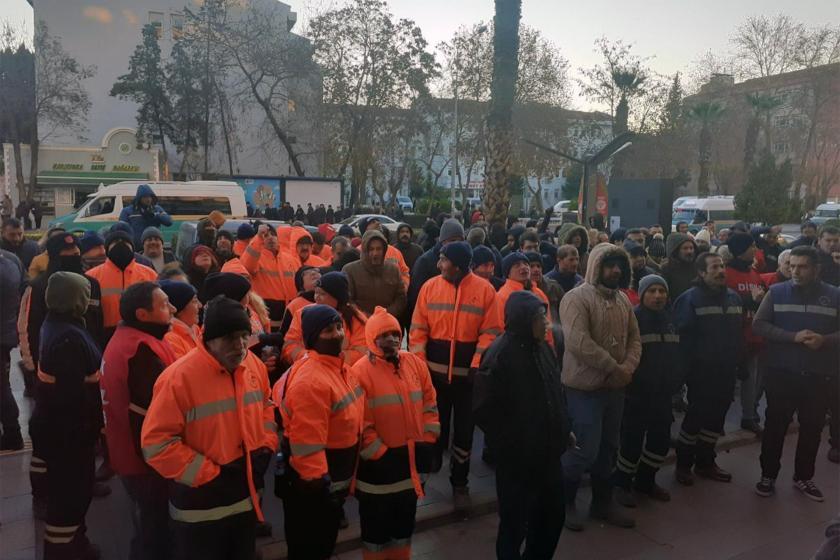 Eylem yapan Genel-İş üyesi Kent AŞ işçileri