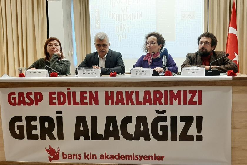Barış Akademisyenlerinin basın açıklaması