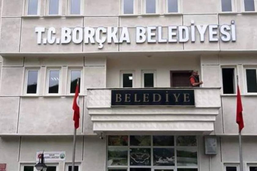 Borçka Belediye binasının dıştan görünümü