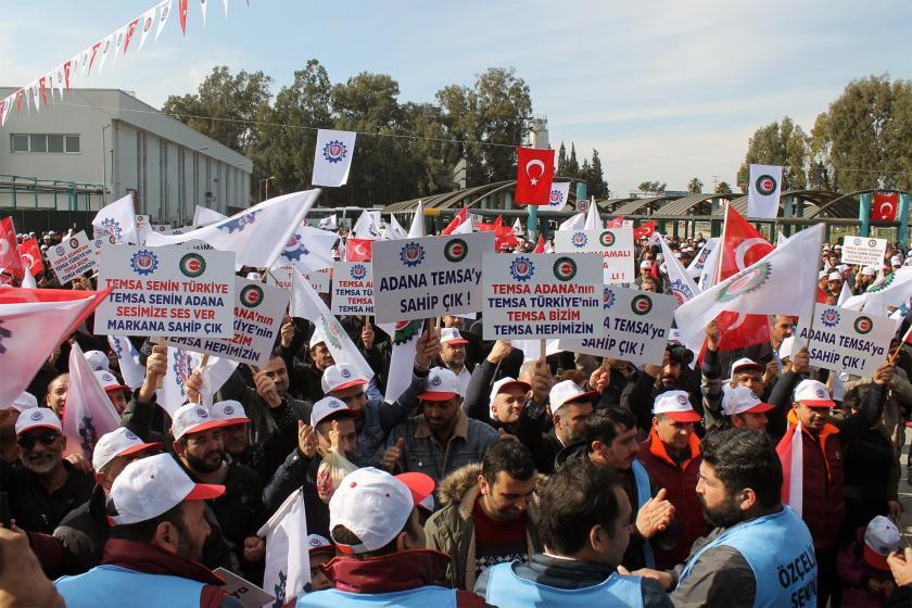 Temsa önünde eylem yapan işçiler