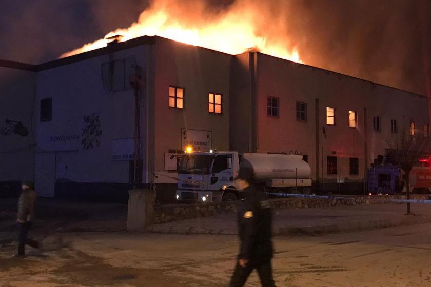 Yazmacılar Çarşısı'ndaki yangın