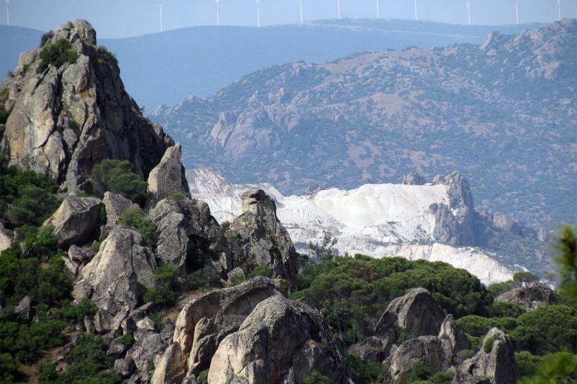 Beşparmak (Latmos) Dağları'ndaki maden ocaklarından bir kare