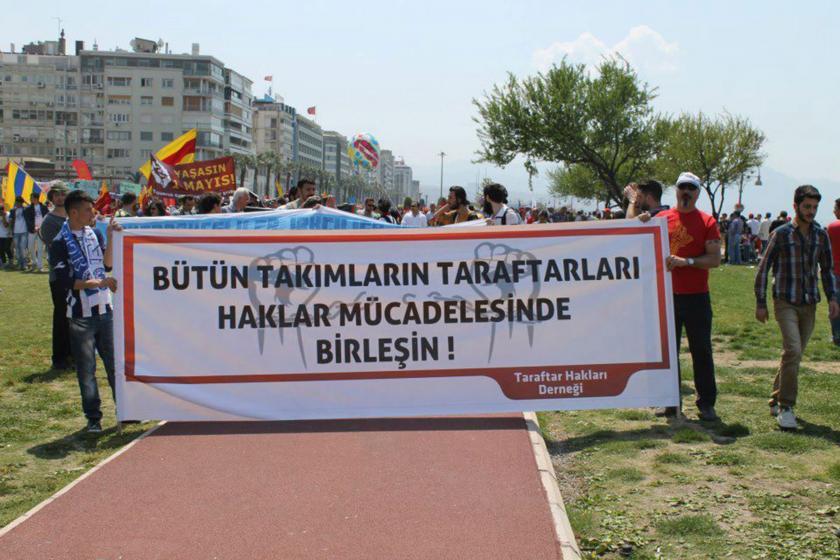 1 Mayıs'ta Taraftar Hakları Derneğinin açtığı pankart