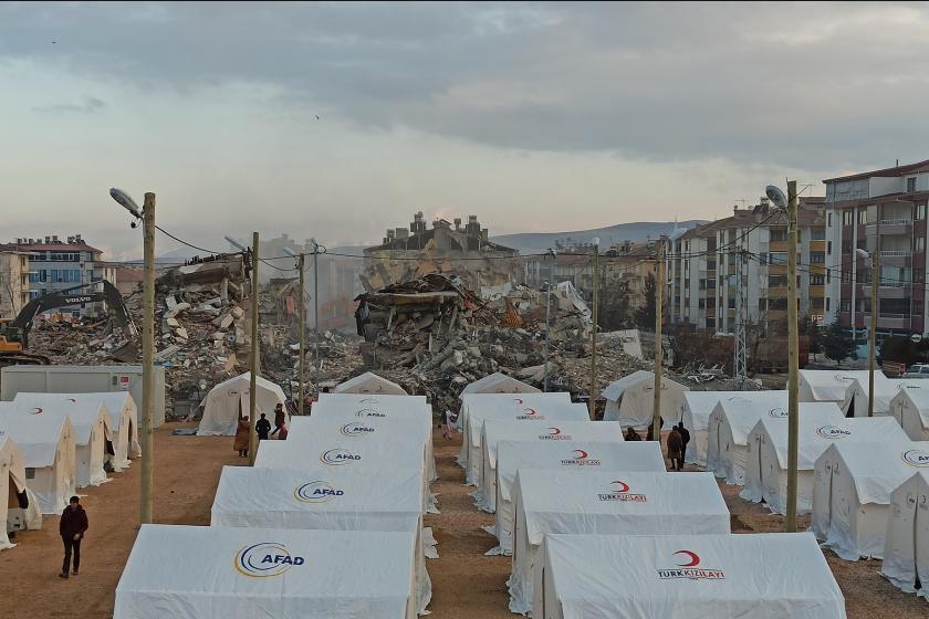 Elazığ deprem çadırları