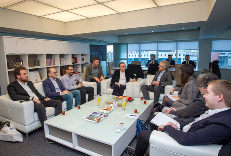 Delegation of an IPI-led international press freedom mission met with Turkey's State Advertising Agency (BİK) in bid to end an advertising ban placed on two newspapers.
