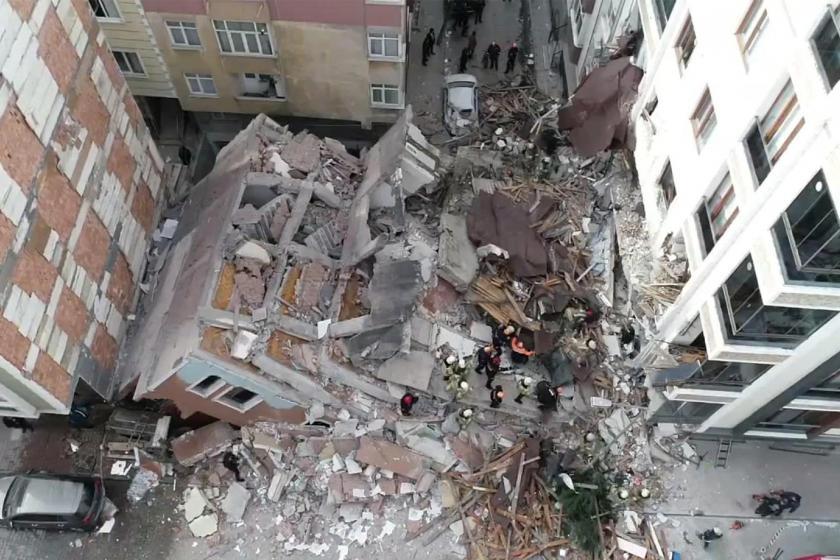 İstanbul Bahçelievler'de bina çöktü