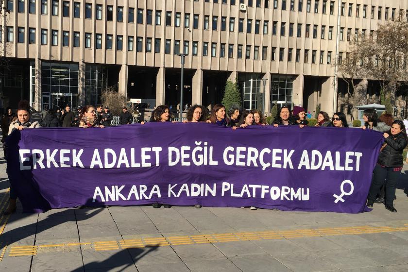 Ankara Kadın Platformu adliye önünde