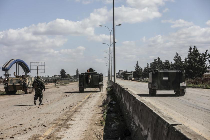 İdlib'de süren çatışmalar esnasında çekilmiş bir fotoğraf.