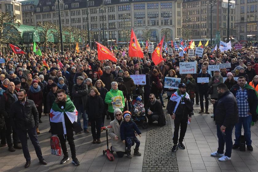 Hamburg'da mültecilere destek için düzenlenen eylem