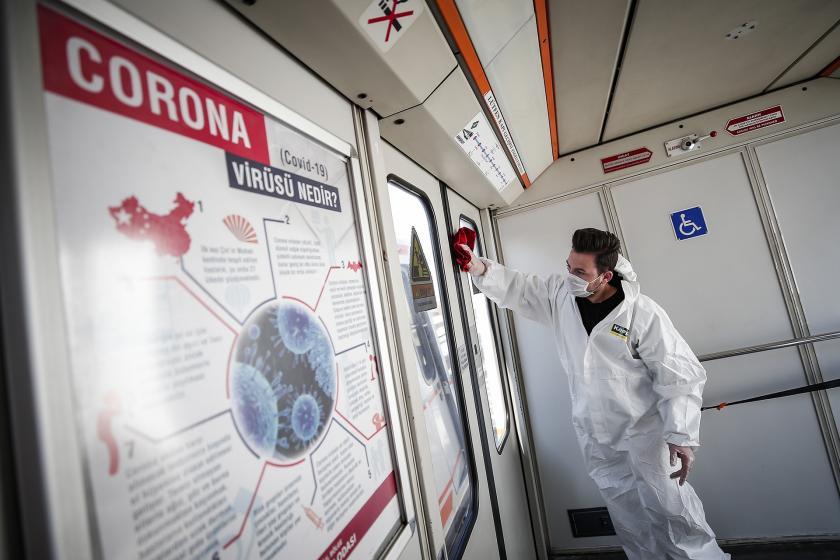 Ankara'da toplu taşıma araçlarında dezenfeksiyon ve sterilizasyon çalışmaları yapılıyor