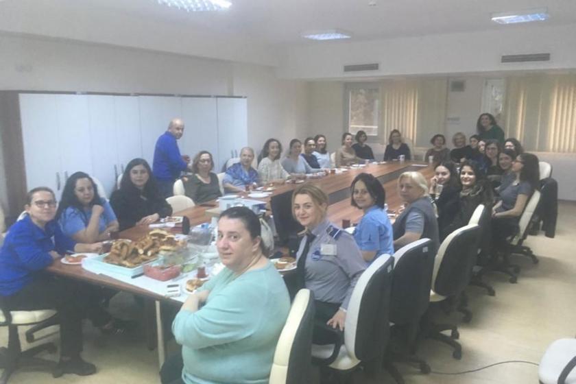 İZSU Balçova hizmet binasında çalışan kadınlar kahvaltıda bir araya geldi