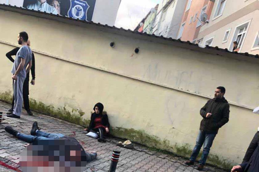 Silahlı saldırgan yerde ve görgü tanıkları