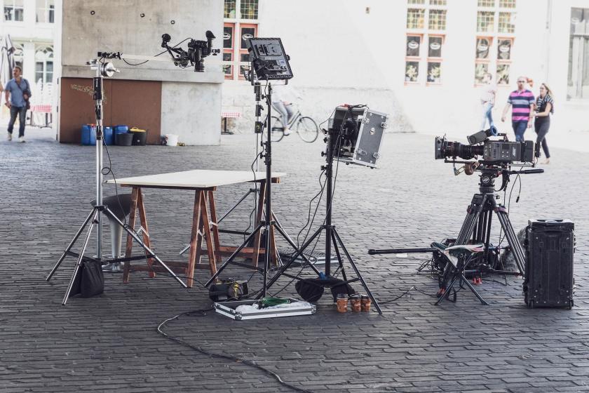 Bir film setinde kullanılan ekipmanlar.