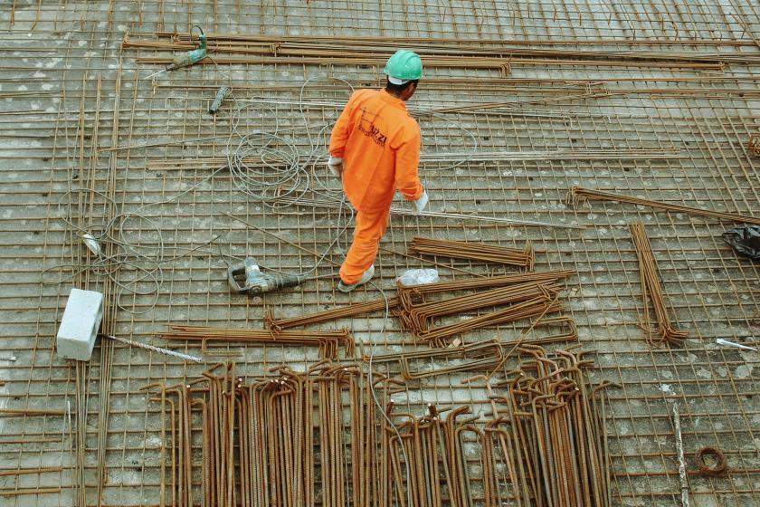 İtalya'da bir inşaat işçisi.