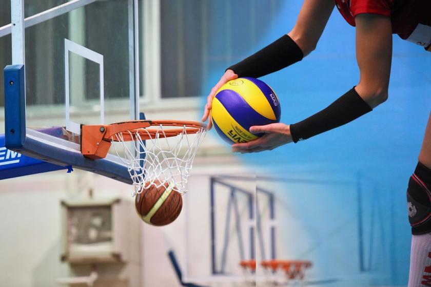 Basketbol potasına girmiş düşmekte olan bir basket topu, solda. Servis kullanmaya hazırlanan voleybolcu, sağda.