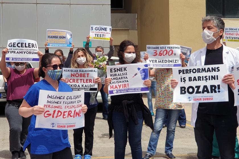 İzmir'de SES Üyeleri Hemşireler Günü dolayısıyla açıklama yaptı