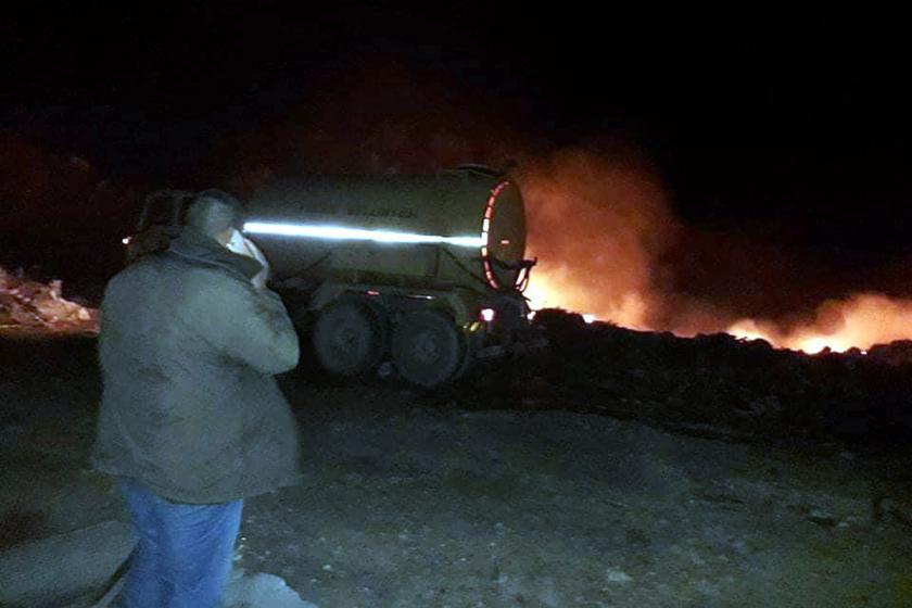 Antalya'nın Finike ilçesinde çıkan orman yangınında 2 dönümlük alan kül oldu.