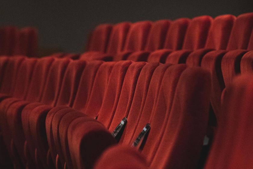 Boş tiyatro koltukları