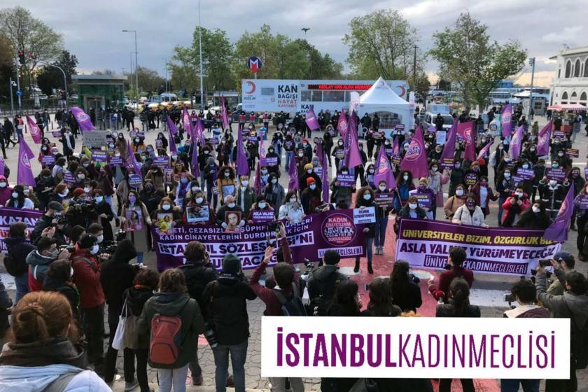 Kadıköy'de 22 Kasım'da düzenlenen 25 Kasım eylemi