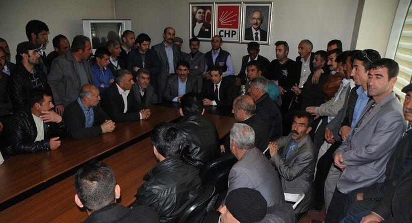 Van'da eski İŞ-KUR işçileri CHP'yi ziyaret etti