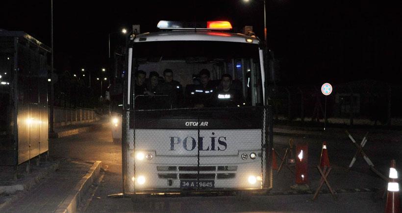 17 polis, 'darbeye teşebbüs' suçlamasıyla tutuklandı