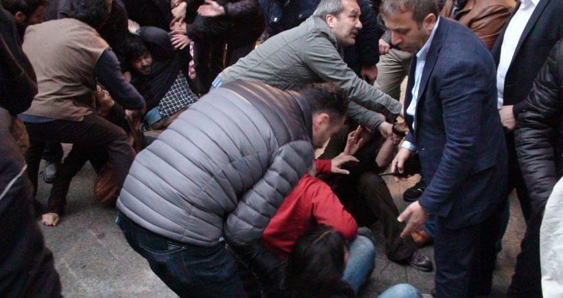 Kadıköy'de Ermeni Soykırımı yürüyüşüne polis saldırdı