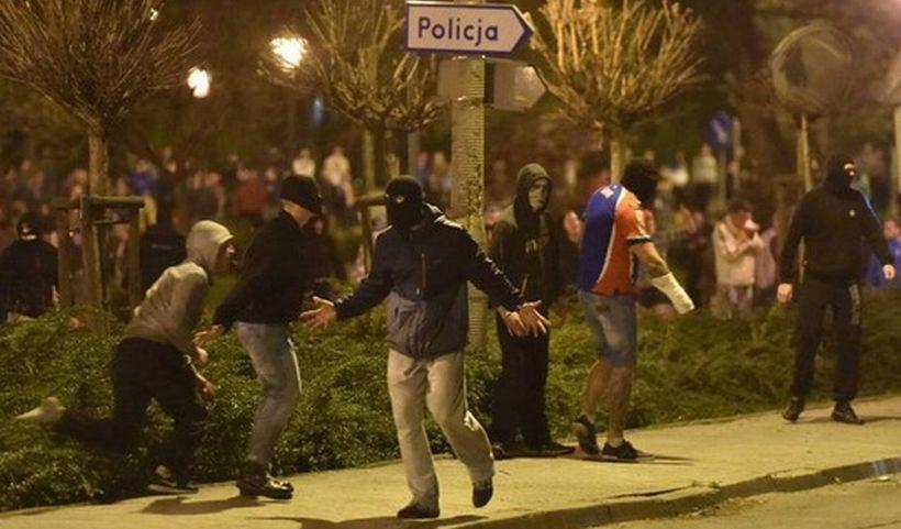 Polonya'da 'ultra' isyan