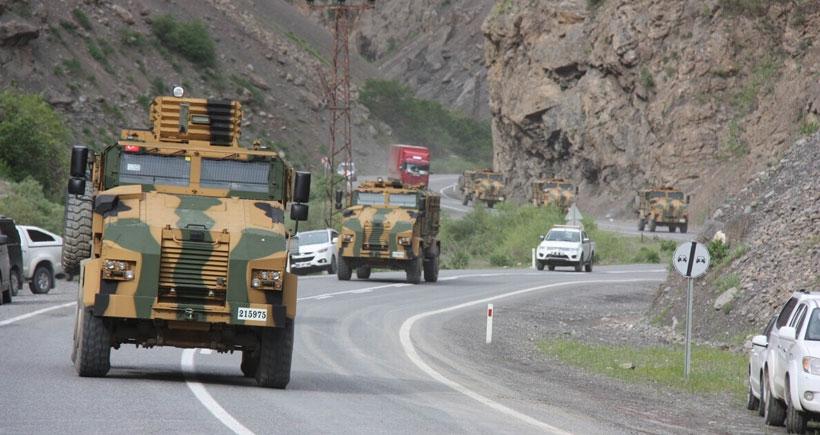 Hakkari'de askeri sevkıyat sürüyor