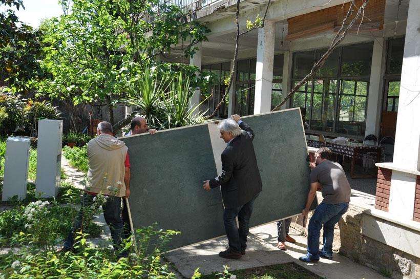 Kamp Armen'e dozerler girmeden bir gün önce...