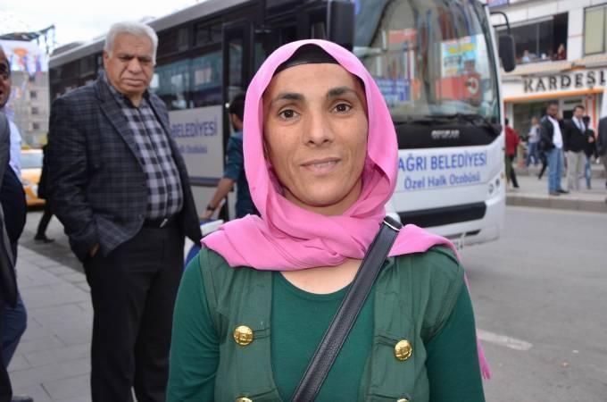 AKP mitinginde darbedilen kadın: Protesto ettiğim için darbedildim'