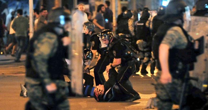 Makedonya'da şiddetli çatışmalar sürüyor