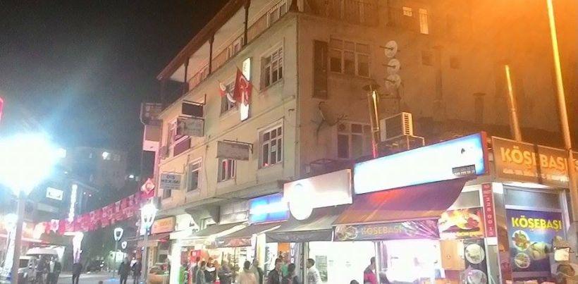 HDP Bartın binasına polis gözetiminde saldırı!