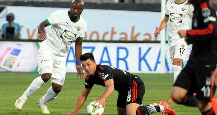 Beşiktaş, şampiyonluk fırsatlarını bir bir tepiyor