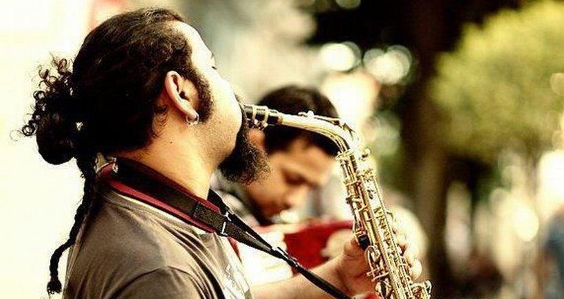 Sokak müzisyenleri 'gerçek sahne'den inmek istemiyor