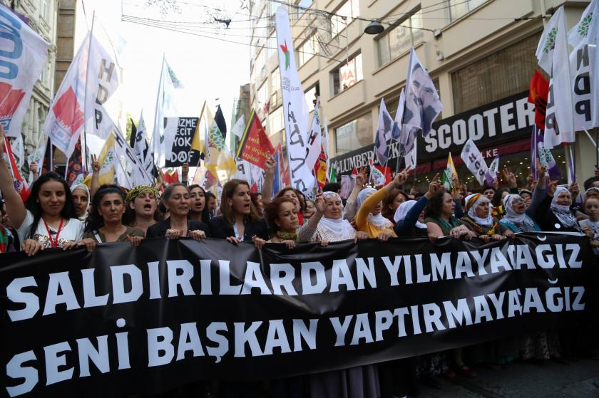 Binlerce kişi sokağa çıktı: Asıl bombayı 7 Haziran'da patlatacağız