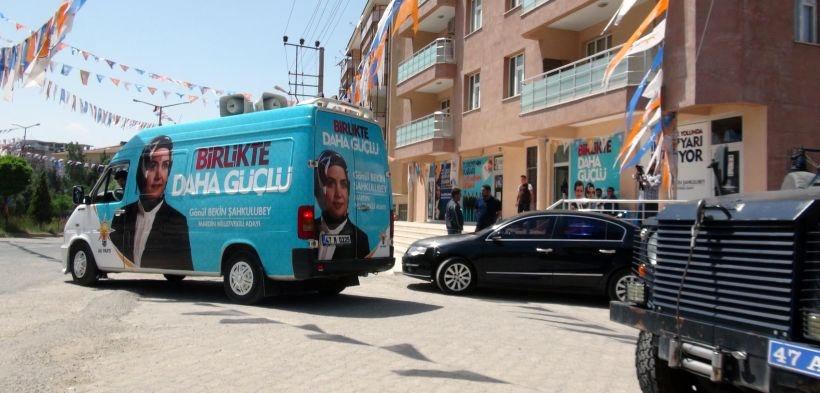 AKP seçim bürosuna el yapımı patlayıcı atıldı