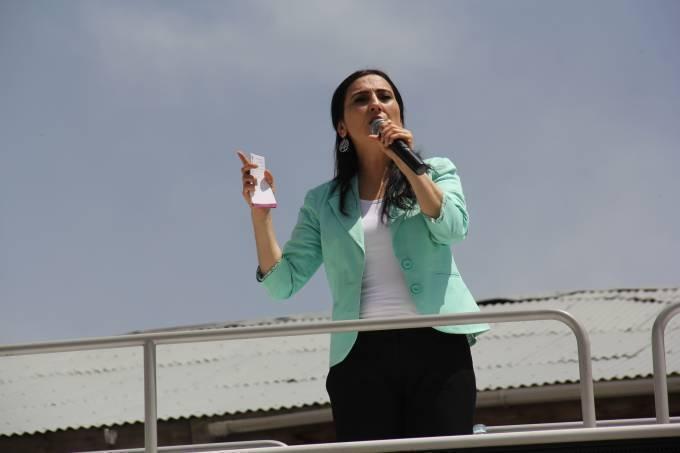 Yüksekdağ: 7 Haziran'da AKP değil yeni yaşam iradesi konuşacak