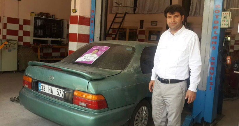Mardin'de HDP'li adayın aracı yakılmak istendi