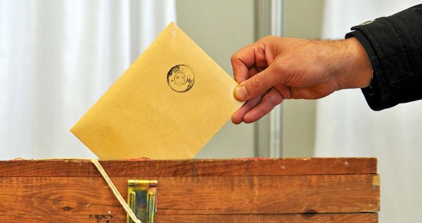 AKP lehine oy çalan sandık başkanına 4 yıl hapis verildi