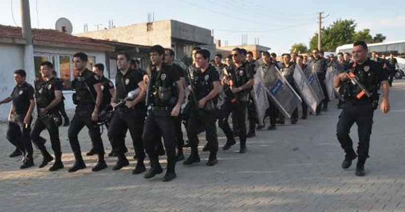 Roman mahallesindeki 'Ne mutlu Türküm diyene'li polis yürüyüşüne soruşturma