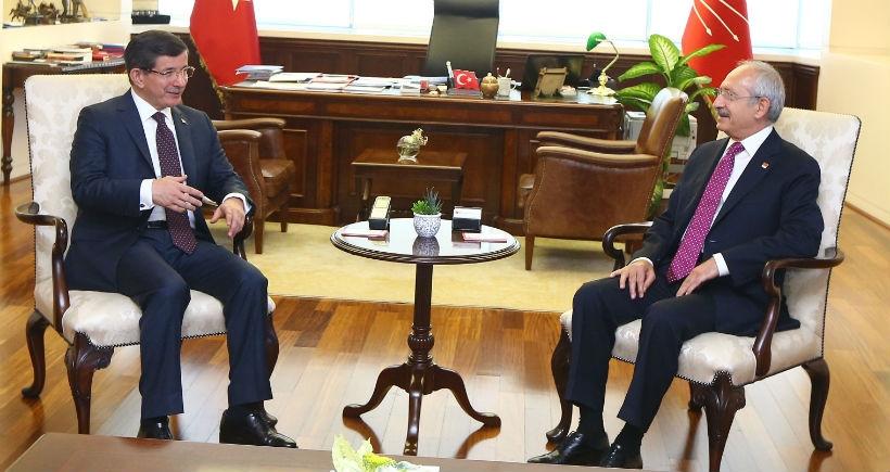 Koalisyon görüşmeleri AKP'nin CHP'yi ziyaretiyle başladı