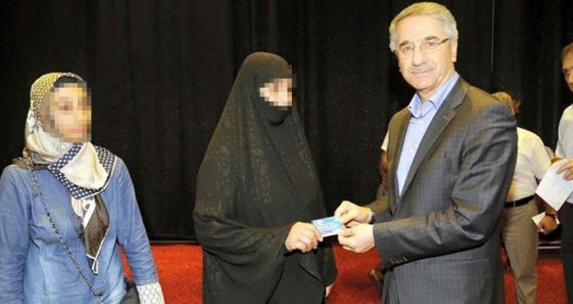 AKP'li belediye başkanının yardım görgüsüzlüğü tepki çekti