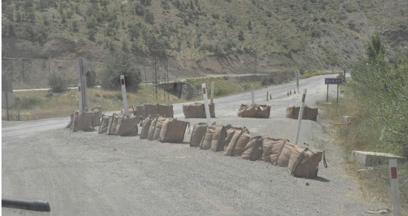 Hakkari'de 50 kilometrelik mesafede 6 kontrol noktası işkencesi
