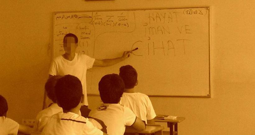 İzmir'deki okullarda cihat eğitimi veriliyor