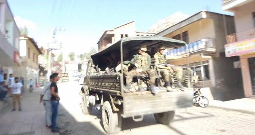 Beytüşşebap'ta askeri konvoya roketatarlı saldırı