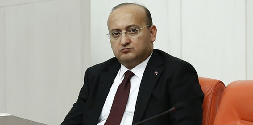 Akdoğan: Terör örgütünün silahına susturucu olmak gazetecilik değildir