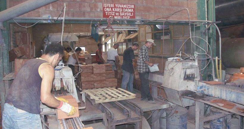 Türk-İş kiralık işçilik tasarısına karşı imza kampanyası düzenliyor